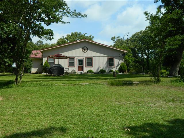 10 acres by Mount Vernon, Texas for sale
