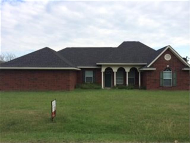 1065 Ramsey Dr, Blooming Grove, TX 76626