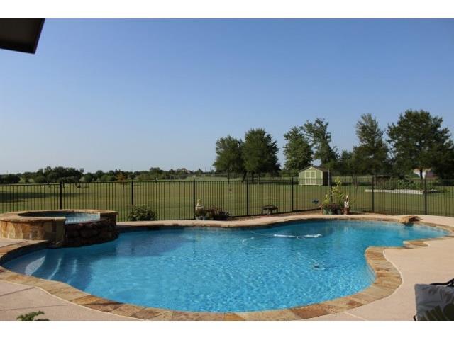 104 Gordon Cir, Heath, TX 75032