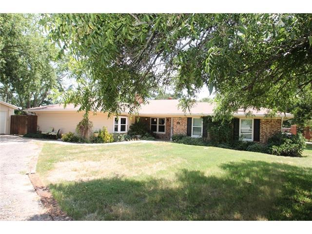 206 Olive St, Lone Oak, TX 75453