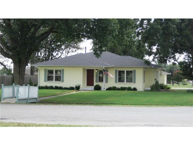 501 E Mulberry St, Leonard, TX 75452
