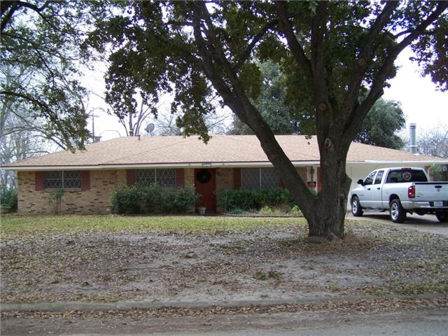 517 N Overlook Dr, Kerens, TX 75144