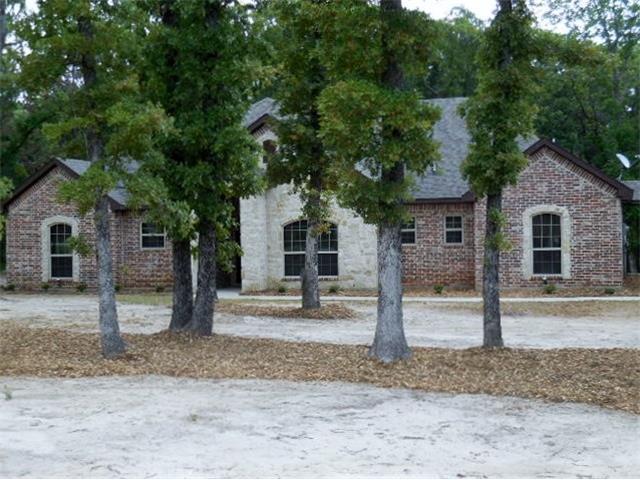 1067 Cedar Oaks Trl, Greenville, TX 75402