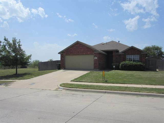 Rental Homes for Rent, ListingId:34477529, location: 5421 Shadydell Drive Ft Worth 76135