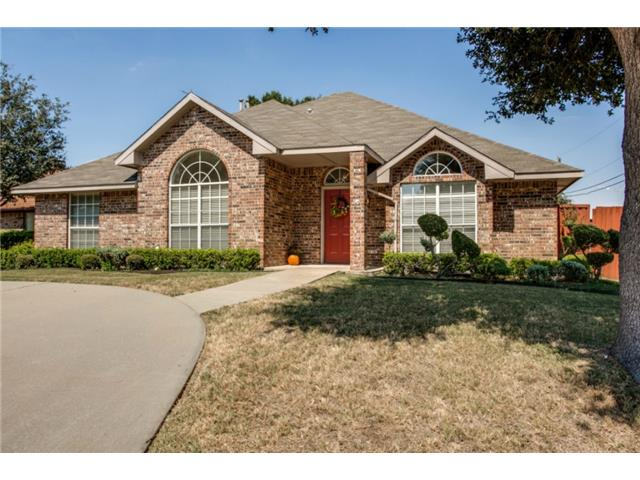 6825 Hyacinth Ln, Dallas, TX 75252
