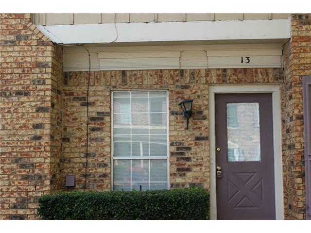Single Family Home for Sale, ListingId:30220877, location: 633 Carriagehouse Lane Garland 75040