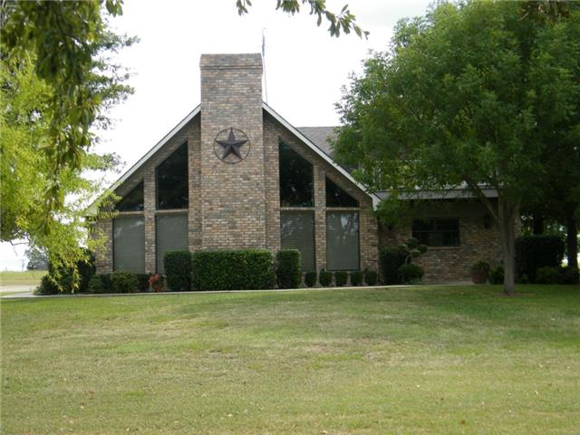212 Se County Road 3186, Corsicana, TX 75109