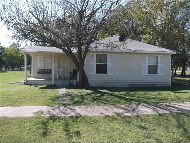 493 N Hopkins Ave, Corsicana, TX 75110