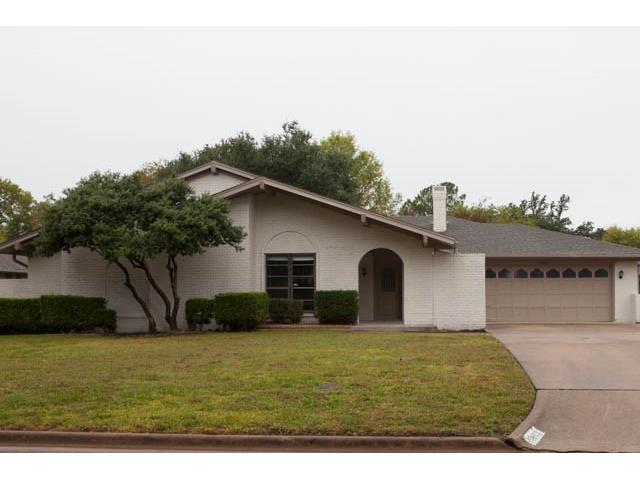 5402 Vale St, Greenville, TX 75402