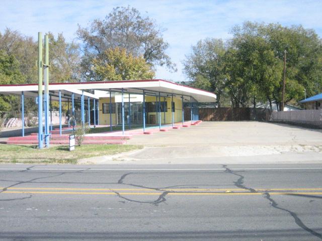 604 N Center St, Bonham, TX 75418