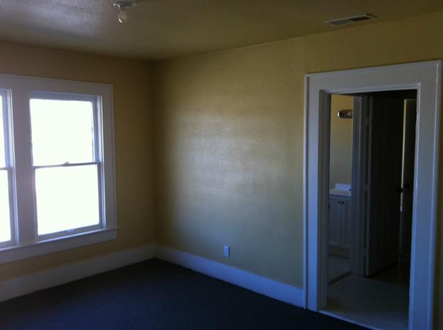 Rental Homes for Rent, ListingId:35065489, location: 422 N Marsalis Avenue N Dallas 75203
