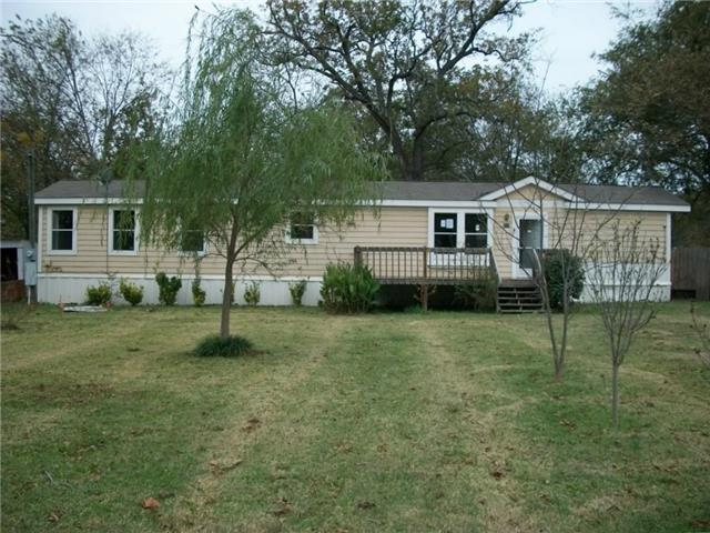 210 Frisco St, Cumby, TX 75433
