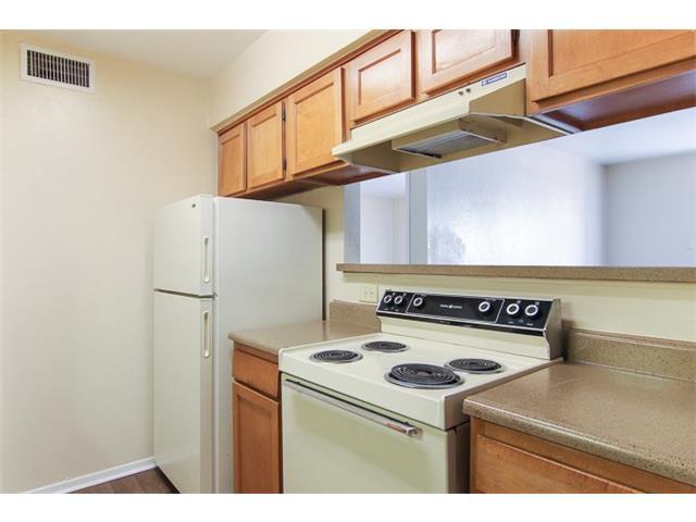 Rental Homes for Rent, ListingId:30770396, location: 9750 royal Lane Dallas 75231