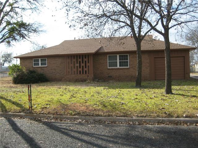 1604 S College Ave, Decatur, TX 76234