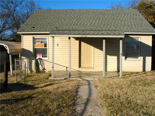 1305 Court Cir, Bridgeport, TX 76426