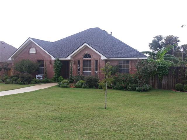 100 Ridge View Ct, Decatur, TX 76234