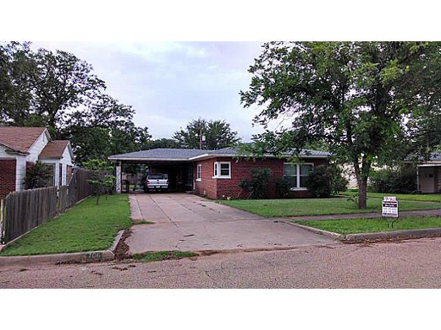 Photo of 706 E Burnside Street  Rotan  TX