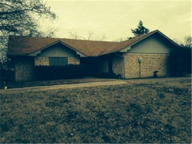 601 S Greenville St, Wolfe City, TX 75496