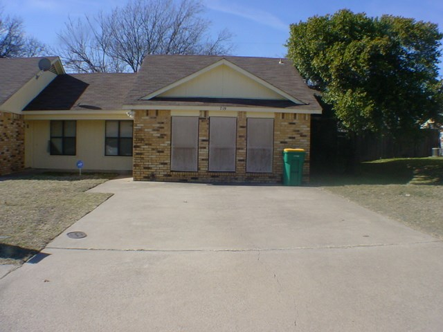 Rental Homes for Rent, ListingId:31514548, location: 719 Hillcrest Court Cedar Hill 75104