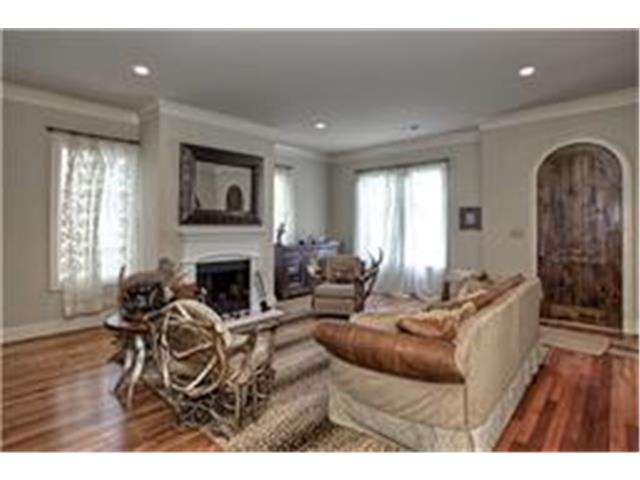 Rental Homes for Rent, ListingId:31553376, location: 3635 Crestline Road Ft Worth 76107