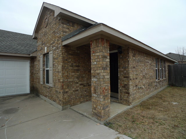 Rental Homes for Rent, ListingId:31565796, location: 611 Sotogrande Street Grand Prairie 75051