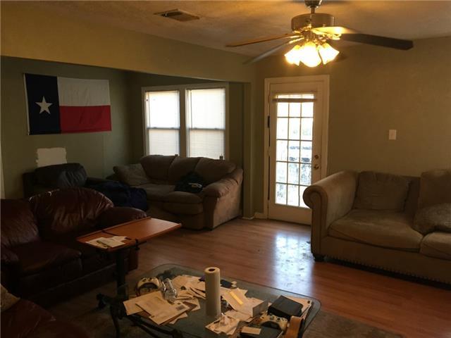 Rental Homes for Rent, ListingId:31628680, location: 2704 W Biddison Ft Worth 76109