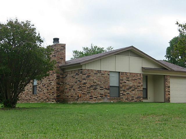 Rental Homes for Rent, ListingId:31688147, location: 844 James Street Azle 76020