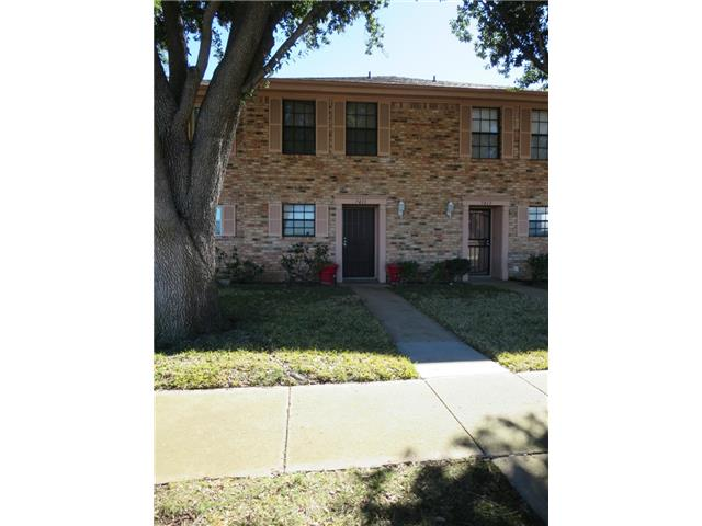 Single Family Home for Sale, ListingId:31701746, location: 7411 Kingswood Circle Ft Worth 76133