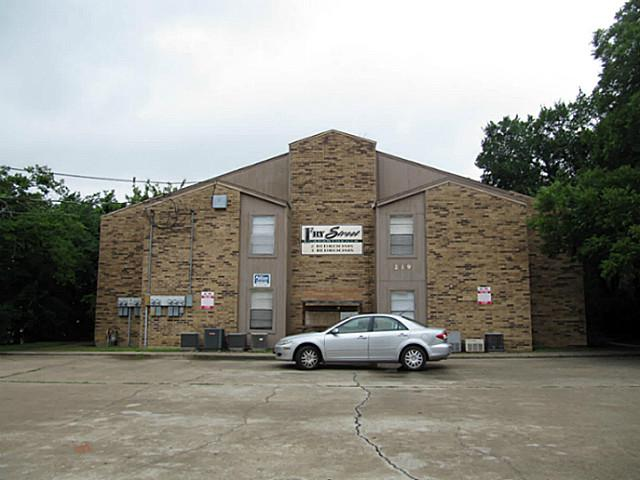 Rental Homes for Rent, ListingId:32171876, location: 219 Fry Street Denton 76201