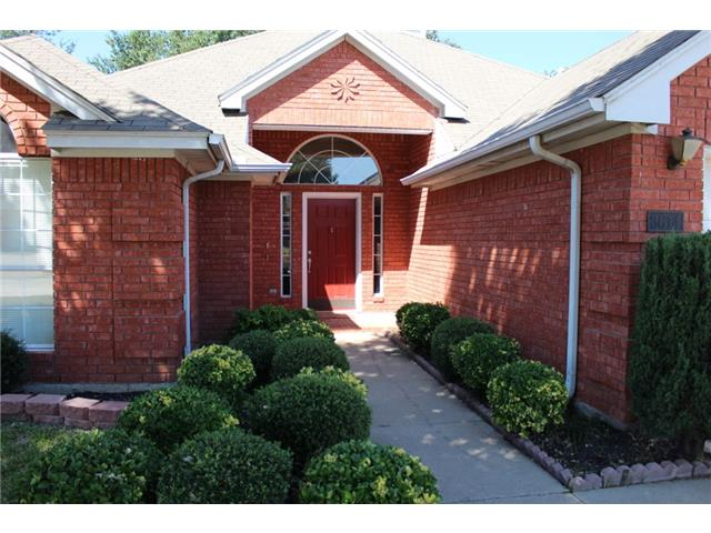 Rental Homes for Rent, ListingId:31818491, location: 3614 Parkmead Drive Arlington 76014