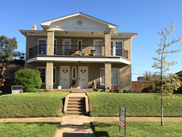 Rental Homes for Rent, ListingId:32897192, location: 2226 W Rosedale Street S Ft Worth 76110