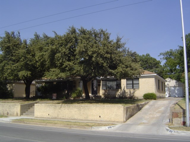 Rental Homes for Rent, ListingId:32176275, location: 2729 Forest Park Boulevard Ft Worth 76110