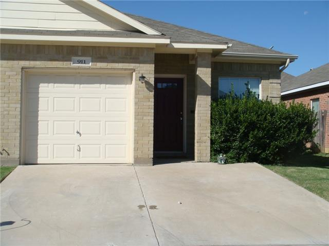 Rental Homes for Rent, ListingId:32166458, location: 911 Walnut Street Burleson 76028