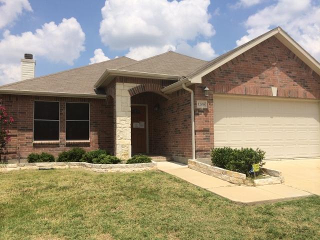Rental Homes for Rent, ListingId:32171476, location: 1208 Gayle Street Burleson 76028