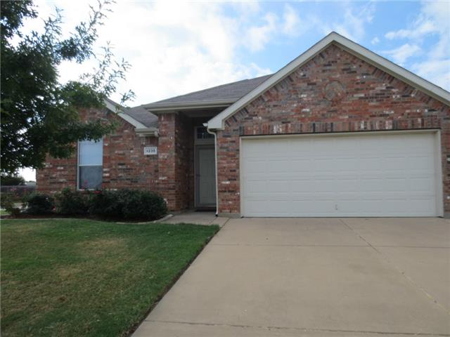 Rental Homes for Rent, ListingId:32171478, location: 1235 Sweetwater Drive Burleson 76028