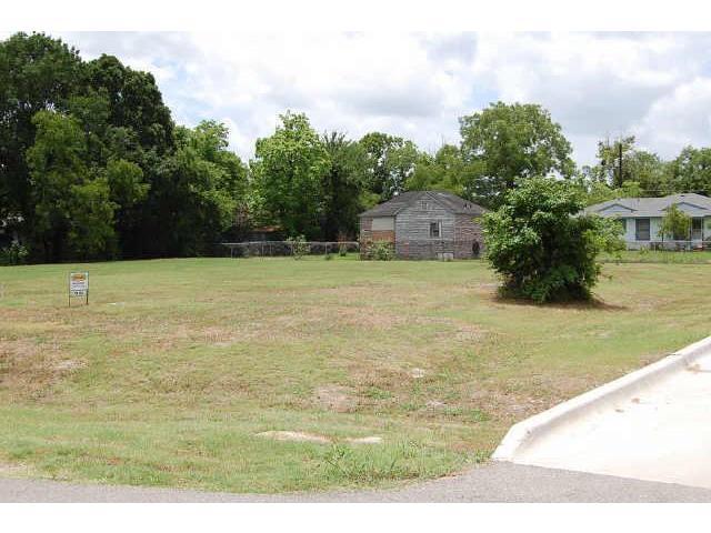 Land for Sale, ListingId:32166904, location: 600 Buffalo Street Forney 75126