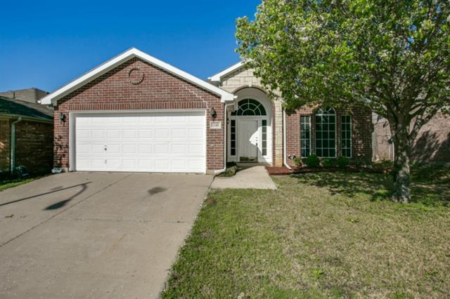Rental Homes for Rent, ListingId:32283780, location: 12416 Silver Mist Trail Ft Worth 76035
