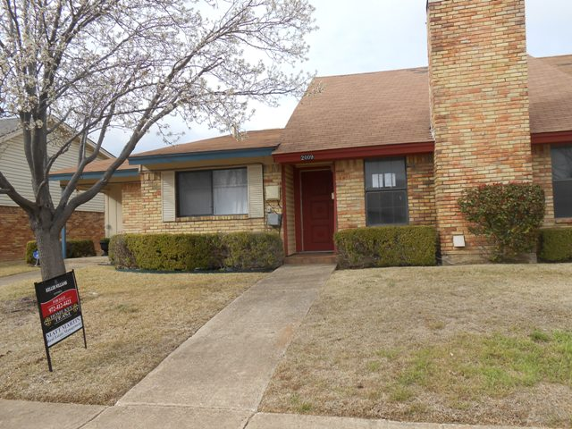 Single Family Home for Sale, ListingId:32283008, location: 2009 Towngate Drive Garland 75041