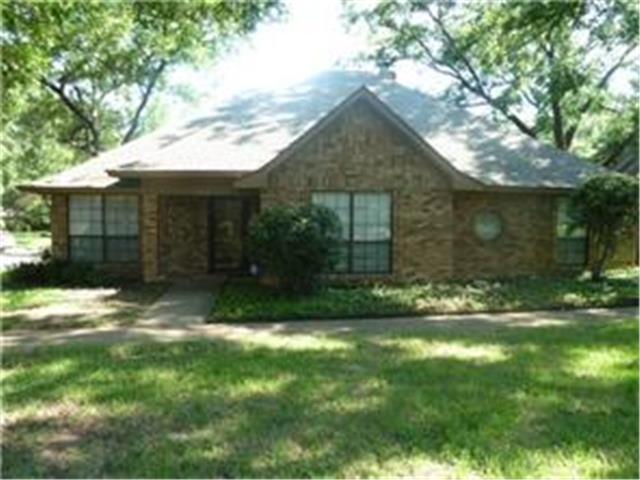 Rental Homes for Rent, ListingId:32332786, location: 1416 Hyde Park Lane Arlington 76015