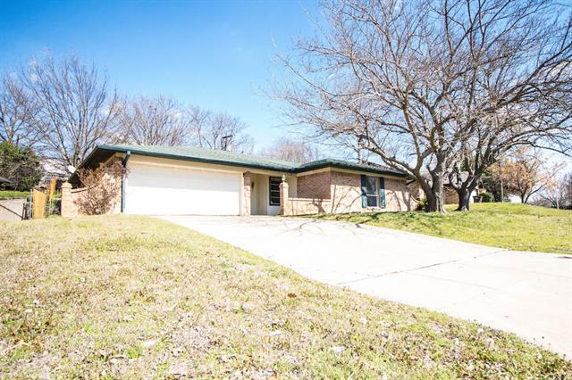 Rental Homes for Rent, ListingId:32332972, location: 2913 Elsinor Drive Ft Worth 76116