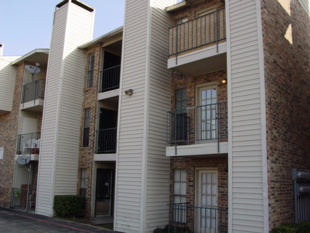 Rental Homes for Rent, ListingId:32386134, location: 9520 Royal Lane Dallas 75243