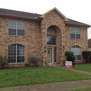 Rental Homes for Rent, ListingId:32396097, location: 6335 Lake Bluff Drive Dallas 75249
