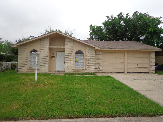 Rental Homes for Rent, ListingId:32541161, location: 3612 Anglin Drive Ft Worth 76119