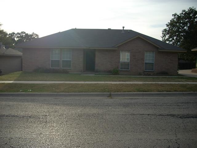 Rental Homes for Rent, ListingId:32448612, location: 2112 Bernard Street Denton 76205