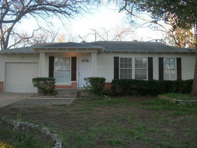 Rental Homes for Rent, ListingId:32462211, location: 1401 W Lovers Lane Arlington 76013