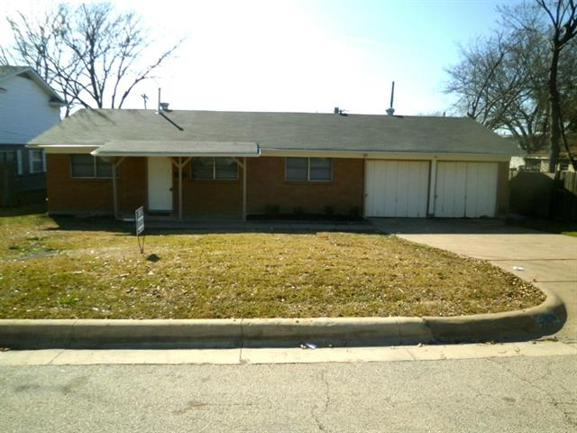 Rental Homes for Rent, ListingId:32523898, location: 2904 Laredo Drive Ft Worth 76116