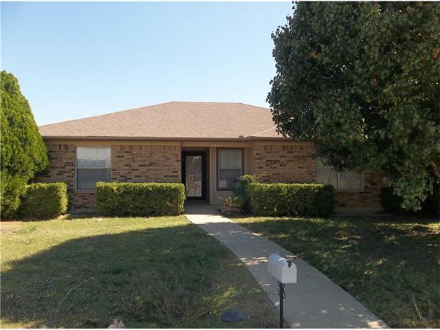Rental Homes for Rent, ListingId:32540994, location: 5415 Whisper Glen Drive Arlington 76017