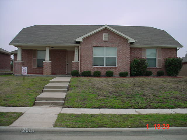 Rental Homes for Rent, ListingId:32540936, location: 2616 Max Goldblatt Drive Dallas 75227