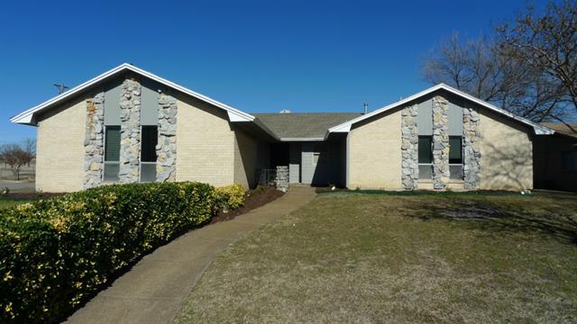 Rental Homes for Rent, ListingId:32562639, location: 2424 Bowling Green Street Denton 76201
