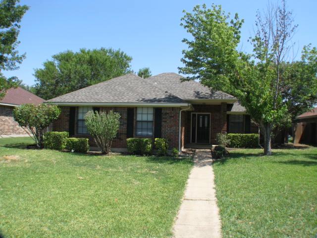 Rental Homes for Rent, ListingId:32610026, location: 217 TANGLEWOOD Street Denton 76207